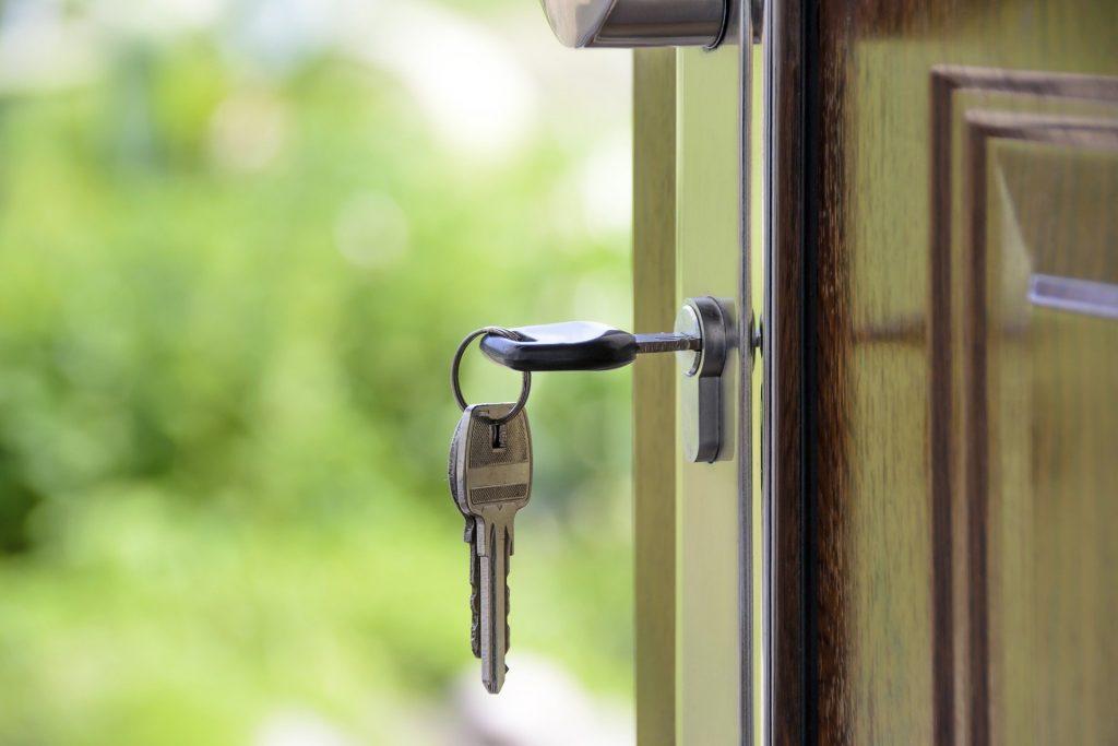 Връщане на депозита при наем – колко време може да чака наемателят?